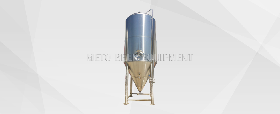 Large Beer Fermentation Tanks